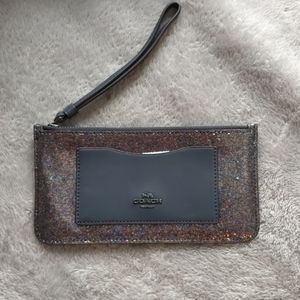 SALE Nwt coach wristlet/wallet